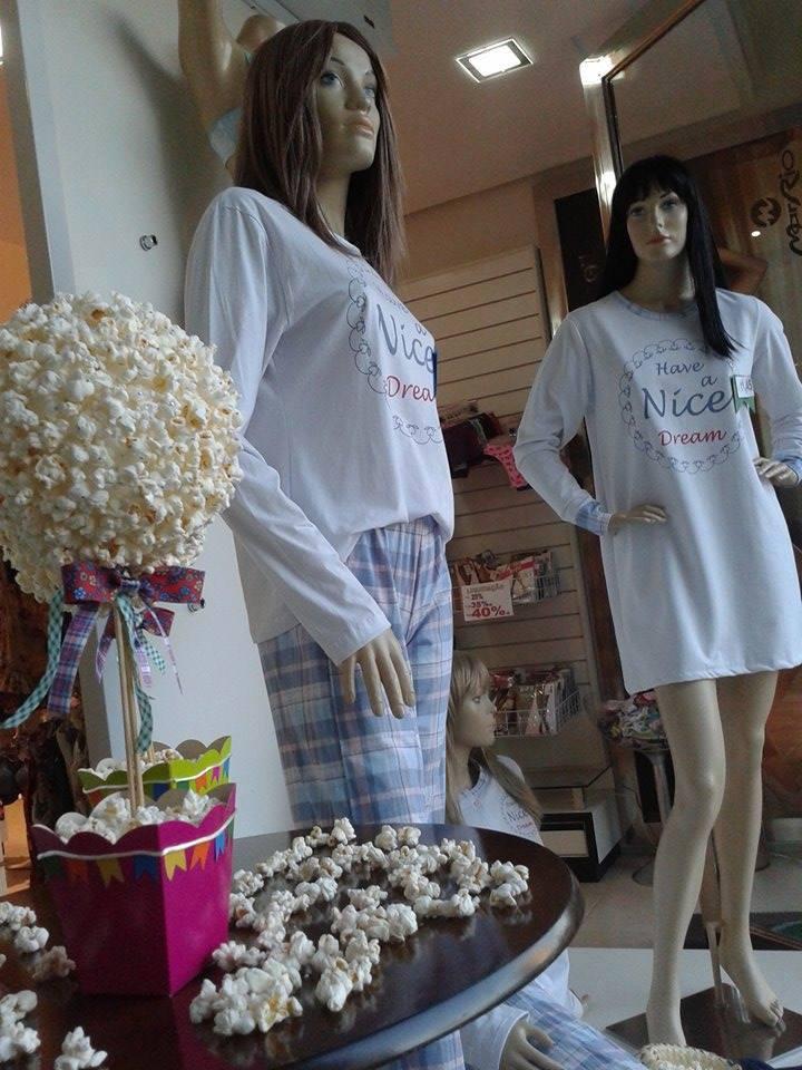 Pijama, filme e pipoca.
