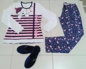 Pijama e chinelo